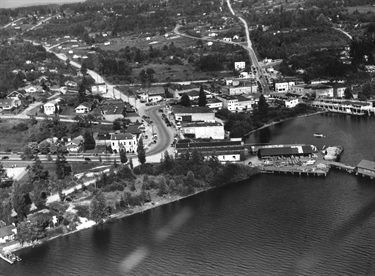 Historic aerial image showing area of Kirkland that includes present-day Marina Park and Peter Kirk Park beyond