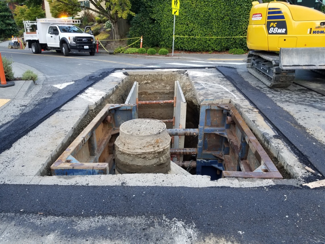 Repair on a wastewater maintenance hole